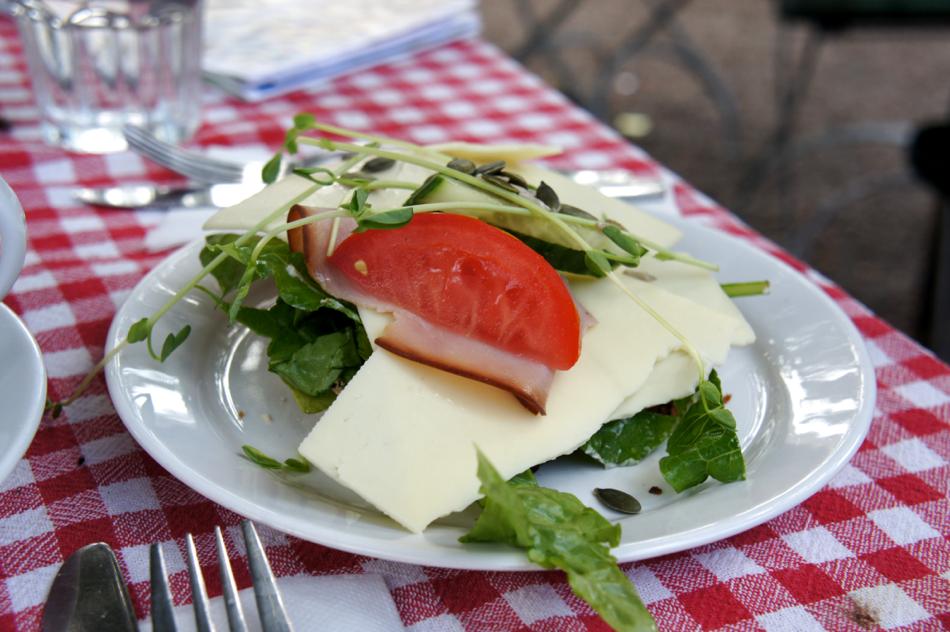 Strängnäs+Schwedenurlaub+Lunch+Brotzeit+Mittagspause+Café+Grassagården+Mälaren+Travelblogger